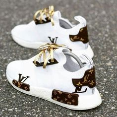 Best comfortable sneakers for girls – Just Trend. - Best comfortable sneakers for girls – Just Trend… – Source by - Moda Sneakers, Girls Sneakers, Best Sneakers, Sneakers Fashion, Fashion Shoes, Gucci Sneakers, Sneakers Style, Adidas Fashion, Converse Sneakers