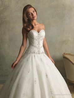 Vintage Tulle Sweetheart Fitted Bodice Ball Gown Wedding Dress | Princess Ball Gown Wedding Dresses Uk