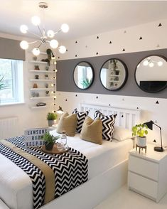 Fall bedroom decor - Here, the 40 best bedroom decor ideas with a variety of different style. Youll find unexpected to bedroom decor ideas. Fall Bedroom Decor, Home Bedroom, Master Bedroom, Modern Bedroom, Teen Bedroom Colors, Contemporary Bedroom, Bedroom Classic, Budget Bedroom, Bedroom Small