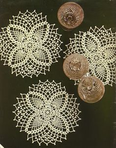 Magic Crochet nº 22 - leila tkd - Picasa Web Albums Crochet Eyes, Crochet Circles, Crochet Buttons, Crochet Doily Patterns, Crochet Home, Thread Crochet, Crochet Motif, Crochet Doilies, Crochet Flowers