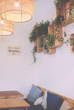 souvenir d'un petit déjeuner bruxellois chez ICI – Shop Ideas – Business Ideas Decor, House Design, Interior And Exterior, Restaurant Decor, Pretty House, Coffee Shop Decor, Cofee Shop, Deco, Home Deco