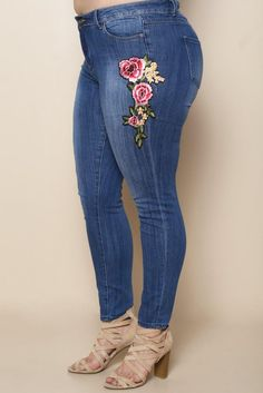 Add some charm to your look with these adorable plus size jeans. Features a bright rose embroidery along the side, styling, and skinny leg fit. Made with a button-and-zip closure. Trendy Plus Size Clothing, Plus Size Outfits, Junior Outfits, Outfits For Teens, Embroidered Jeans, Rose Embroidery, Plus Size Jeans, Trendy Shoes, Skinny Legs