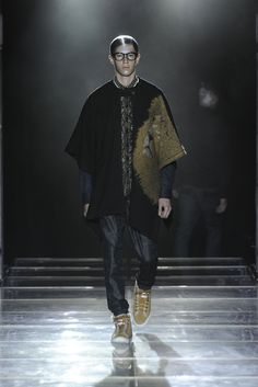 Yoshio Kubo Fall 2013 Ready-to-Wear Fashion Show