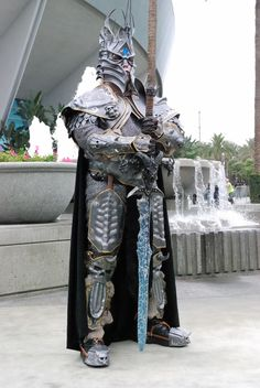 ah now that would be an awesome halloween costume #Lich King #WOW