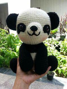 Panda photo only Crochet Panda, Crochet Dolls, Amigurumi Patterns, Crochet Flowers, Cross Stitch Patterns, Teddy Bear, Textiles, Embroidery, Knitting