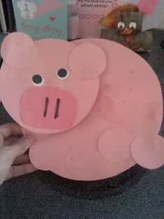 Cute pig made out of all circles. (May Farm animal theme) lead week for preschool Farm Animal Crafts, Pig Crafts, Farm Crafts, Alphabet Crafts, Daycare Crafts, Letter A Crafts, Classroom Crafts, Crafts For Kids, Farm Animals