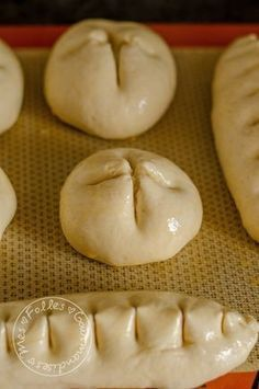 Buns with milk like brioches! Baguette, Pastry Recipes, Dessert Recipes, Victorian Cakes, My Favorite Food, Favorite Recipes, Bread Dough Recipe, Levain Bakery, Cooking Whole Chicken