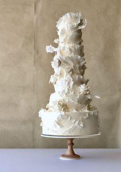 Amazing tall multi layered white wedding cake with ruffles White Cakes, White Wedding Cakes, Beautiful Wedding Cakes, Gorgeous Cakes, Pretty Cakes, Amazing Cakes, Unusual Wedding Cakes, Wedding Cake Inspiration, Wedding Ideas