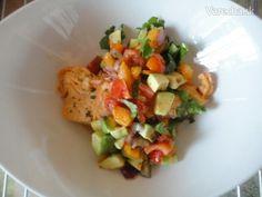 Avokádová salsa s grilovaným lososom (fotorecept) Guacamole, Ale, Mango, Mexican, Ethnic Recipes, Food, Cilantro, Manga, Ale Beer