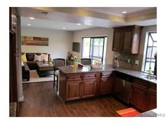 Nice breakfast counter, adding available interaction with family room                                                                     4610 CALLE DE GRANDE La Verne, CA 91750