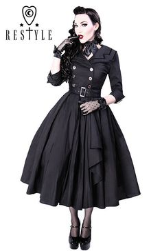 ReStyle R-22 COAT DRESS Made of thick black cotton with 5% elastane. 62,62 EUR