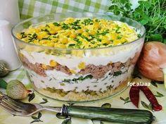 Sałatka warstwowa z tuńczykiem Good Food, Yummy Food, Polish Recipes, Polish Food, Mary Berry, Bon Appetit, Salad Recipes, Macaroni And Cheese, Appetizers