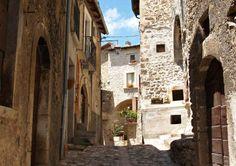 Santuario di San Vittorino – Carapelle Calvisio - L'Aquila  #Abruzzo #Abruzzoruralproperty
