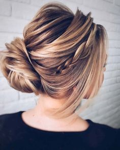 36 Hottest Bridesmaid Hairstyles For 2021 + Tips & Advice ❤ #weddingforward #wedding #bride #bridesmaidhairstyles #bridalbeauty Box Braids Hairstyles, Prom Hairstyles For Long Hair, Best Wedding Hairstyles, Homecoming Hairstyles, Vintage Hairstyles, Cool Hairstyles, Updo Hairstyle, Gorgeous Hairstyles, Modern Hairstyles