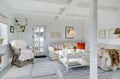 Miete Ferienhaus 11-4485 in Norgesvej 28, Lökken Danish Interior Design, Shag Rug, Loft, Rugs, Bed, Furniture, Home Decor, Room Layouts, Townhouse