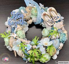 """Kézműves Csodák Műhelye on Instagram: """"Újabb nyári kopogtatót hoztam nektek. Annyi kisebb-nagyobb kagyló került rá, hogy 3,5 óráig tartott az elkészítése. Szerintem megérte ❤️😍…"""" Hanukkah, Wreaths, Instagram, Home Decor, Crowns, Decoration Home, Door Wreaths, Room Decor, Deco Mesh Wreaths"""