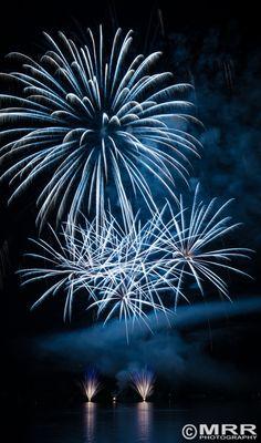 Feuerwerk am Dutzenteich by MRRphotography on 500px