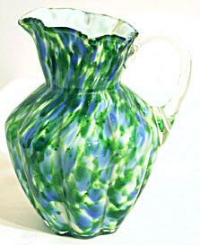 Here is a small cream pitcher from the Vasa Murrhina line made by Fenton. The color is called Aventurine Green with Blue and it stands 6 inches tall. This piece is in good condition with no chips or c Fenton Milk Glass, Fenton Glassware, Murano Glass, White Porcelain, Painted Porcelain, Hand Painted, Green With Blue, Glass Boxes, Antiques For Sale