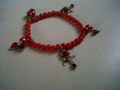 Red beaded charm bracelet #DIY #Accessories #Bracelet