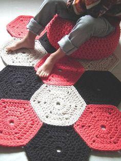 Coral Gehäkelter Teppich bunten Teppich häkeln von LoopingHome rug cotton Items similar to Coral Crochet Rug - Nursery Rug - Kidsroom Decor- Playrooms Rug - Crochet Floor Rug - Accent Rug - Cotton Rug - Crochet Rug - Knit Rug on Etsy Crochet Carpet, Crochet Home, Crochet Crafts, Crochet Motifs, Crochet Blanket Patterns, Knitting Patterns, Hexagon Crochet, Crochet Amigurumi, Crochet Yarn