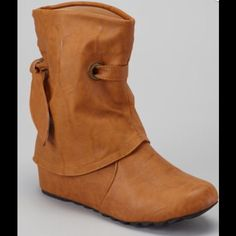 Pull On Camel Colored Boots