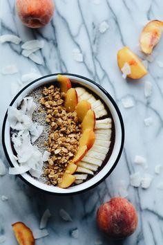 Tropical Peach Smoothie Bowl recipe!