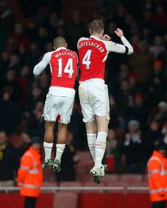 January 02, 2016,Arsenal 1 v 0 Newcastle United - Premier League #TheoWalcott #PerMertesacker,