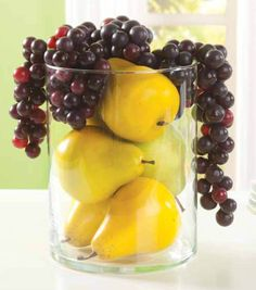MAKE FOR SHELF Glass Cylinder with Grapes and Pears