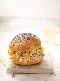 Ricardo& recipe: BBQ Chicken and Blue Cheese Sandwiches Blue Cheese Recipes, Cheese Sandwich Recipes, Meat Recipes, Dinner Recipes, Chicken Recipes, Bbq Chicken Sandwich, Barbecue Chicken, Sandwiches, Hamburgers