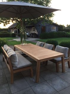 Low Dining set uit de Royal Design Collectie. Table Low Dining