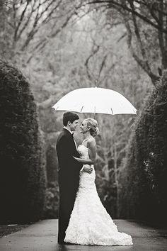 Hochzeit im Regen <3