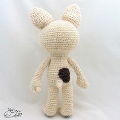 Crepe the French Bulldog amigurumi crochet pattern by Emi Kanesada (Enna Design)