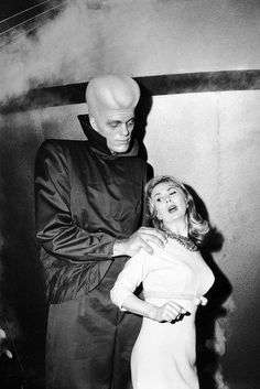 """Susan Cummings and Richard Kiel in """"To Serve Man"""", episode of The Twilight Zone (originally aired on March 1962 on CBS) Classic Sci Fi, Classic Horror Movies, Fantasy Movies, Sci Fi Movies, Sf Movies, Fiction Movies, Sci Fi Horror, Horror Films, Horror Art"""