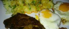 Recept Steak z krkovičky na cibulce Tiramisu, Steak, Eggs, Breakfast, Food, Morning Coffee, Egg, Tiramisu Cake, Meals