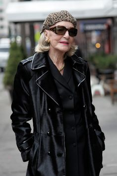"ADVANCED STYLE: Lexington Chic - ""Sheila"" -- Words cannot describe how cool I think that this woman is......"