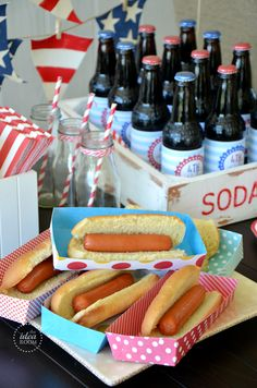 The hot dog trays are simply made out of some colored scrapbook paper. The paper is a little heavier weight so that the trays have some stiffness to them. Thinner paper will make it so they are not as sturdy, which may lead to dropped hot dogs and tears. - PDf saved. X