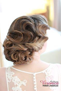 Precioso peinado de Novia con ondas al agua.