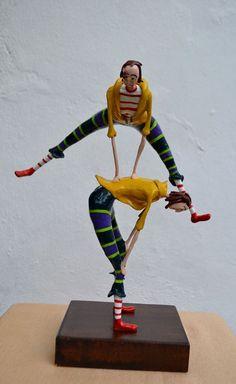 """""""Cancheras"""", 25x17x10cm. modelado masilla epoxi, alambre, policromado con acrílico, terminación barniz cristal, base de madera."""