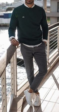 Stylish Mens Outfits, Casual Outfits, Business Casual Men, Men Casual, Mens Fashion Week, Fashion Menswear, Polo T Shirts, Denim Shirts, Black Ripped Jeans