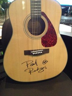 . Paul Rodgers, Beautiful Voice, Kinds Of Music, A Good Man, Guy, Music Instruments, Guitar, Sign, Room