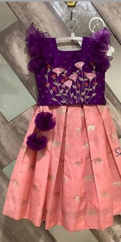 Kids Party Wear Dresses, Kids Dress Wear, Baby Girl Party Dresses, Kids Gown, Little Girl Dresses, Baby Frocks Designs, Kids Frocks Design, Kids Lehenga, Baby Lehenga