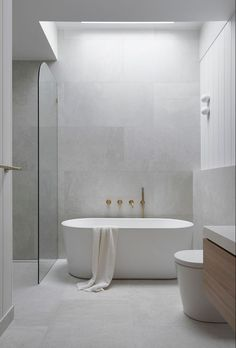 Bad Inspiration, Bathroom Design Inspiration, Modern Bathroom Design, Bathroom Interior Design, Contemporary Bathrooms, Bathroom Designs, Interior Ideas, Minimalist Bathroom Design, Contemporary Apartment