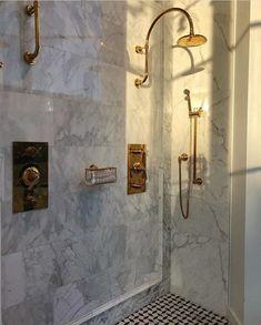 Bathroom goals via Josefine Haaning #bathroom #goals #interior #home #marvle #gold #vintage #love #hotel #la