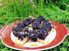 z cukrem pudrem: ucierane ciasto z jagodami ( z olejem) Acai Bowl, Cheesecake, Sweets, Breakfast, Desserts, Food, Acai Berry Bowl, Morning Coffee, Cheesecakes