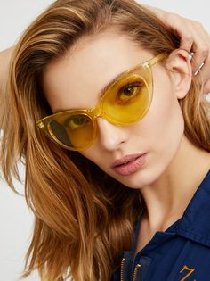 Who's That Girl Sunnies | Ultra cool shades with a retro-meets-modern feel. Available in an array of hues, these cat eye sunnies are a fun and stylish statement piece.