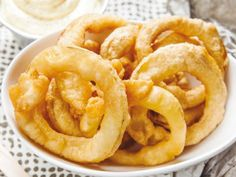 Potato Rings con Maionese Onion Rings, Side Dishes, Salads, Ethnic Recipes, Food, Mayonnaise, Essen, Meals, Yemek