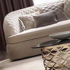 Modern Italian Designer Quilted Nubuck Leather Sofa Scatter Cushions, Modern Sofa, Italian Style, Sofa Design, Leather Sofa, Family Room, Upholstery, Armchair, Room Ideas
