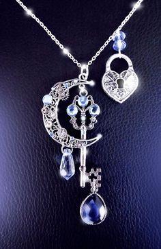 Awesome~ Moonlight secrets - Silver steampunk key moon necklace by CindersJewelryDesign Key Jewelry, Cute Jewelry, Silver Jewelry, Jewelry Accessories, Jewelry Design, Unique Jewelry, Jewelry Necklaces, Silver Rings, Filigree Jewelry