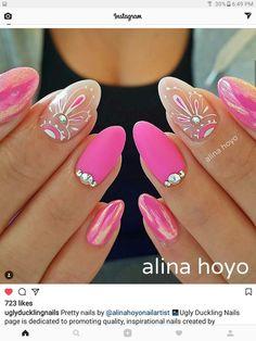 What's an American Manicure? Diy Nail Designs, Short Nail Designs, Pink Nail Art, Purple Nails, Cute Nails, Pretty Nails, Manicure, Feather Nails, Mandala Nails