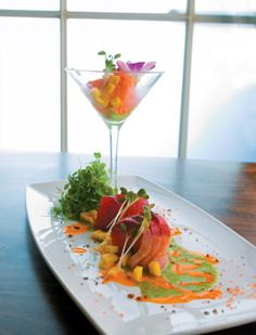 Piranha Killer Sushi - Sashimi Sushi Style, Sushi Love, Best Sushi, Sushi Deli, Sushi Comida, Japanese Food Sushi, Tapas, Sushi Platter, Sashimi Sushi